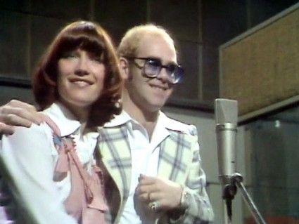 Elton John ft Kiki Dee Don't Go Breaking My Heart   Elton john, My ...