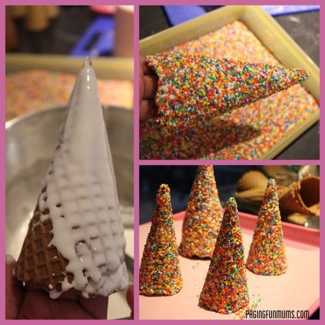 How to make gingerbread house trees out of cones and sprinkles. Cute landscaping for the gingerbread scene. Gingerbread House Designs, Gingerbread House Parties, Christmas Gingerbread House, Christmas Treats, Christmas Baking, Christmas Fun, Christmas Cookies, Gingerbread Houses, Holiday Baking