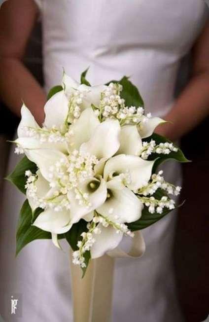64 Super Ideas Bridal Bouquet Purple And White Calla Lilies In 2020 Purple Wedding Bouquets Purple Bridal Bouquet Wedding Flowers Cost
