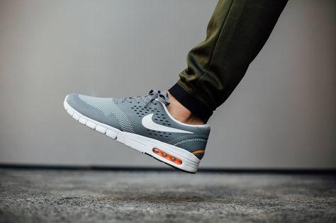 Nike Air Max Tavas Platinum Herren Sneakers Günstig Online