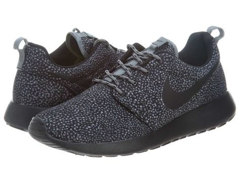 official photos 80383 87af4 Amazon.com  NIKE Women s ROSHERUN PRINT Running Shoes Sneakers 599432-002   Shoes
