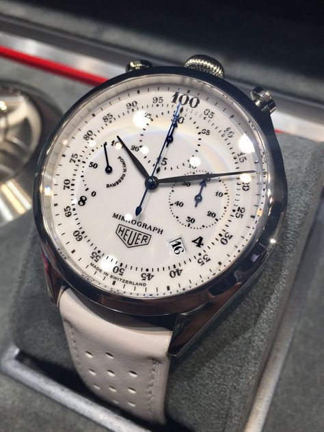Tag Heuer, a great piece for any outfit! Tag Heuer, a great piece for any outfit! Rolex Watches For Men, Seiko Watches, Luxury Watches For Men, Sport Watches, Tag Watches, Wrist Watches, Tag Heuer, Stylish Watches, Cool Watches