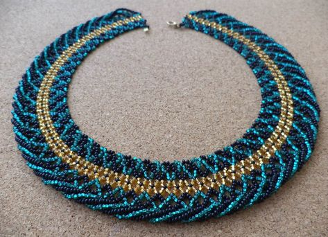Make an evening necklace. Evening of the evening dress necklace both detailed sho .