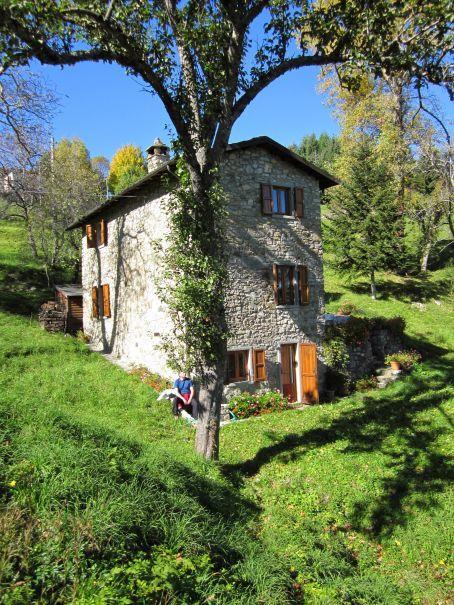Vakantiehuis In Careggine Toscane Het Natuurhuisje Heeft Een Oppervlakte Van Ongeveer 100m En Bezit Een Woonkamer M Woonkamer Met Open Haard Haard Openhaard