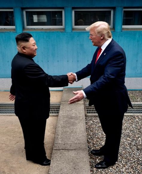 HISTORIC. POTUS #DonaldTrump greets Kim Jong Un at the DMZ on June 30, 2019. 🇺🇸
