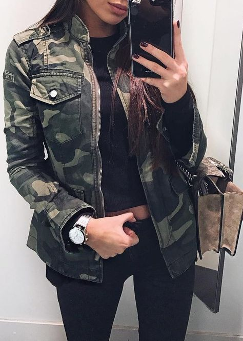 #fall #outfits Army Jacket // Skinny Black Jeans // Black Top