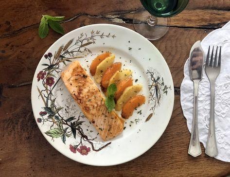ChupChupChup: Salmón a la plancha con manzana y albaricoques