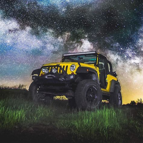 Gray Jeep Wrangler Fitted With Proper Accessories For Off Roading
