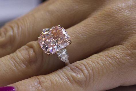 Rahaminov Diamonds Unveils Yellow Diamond Ring, Incredible Fancy Colors at JCK Luxury 2014 Yellow Diamond Rings, Diamond Cuts, Yellow Diamonds, Pink Diamond Jewelry, Pink Diamonds, Pink Ring, Fancy Colored Diamonds, 7 Carat Diamond Ring, Natural Diamonds
