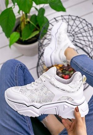 Bayan Spor Ayakkabi Kadin Ayakkabi Modelleri Fiyatlari 8stil Com Sayfa 2 2020 Ayakkabilar Egzersiz Kiyafetleri Spor
