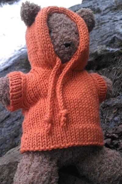 Barrison knit this comfy hoodie in Berroco Comfort to keep her warm while sightseeing on the Keweenaw Peninsula. (free pattern on berroco.com)