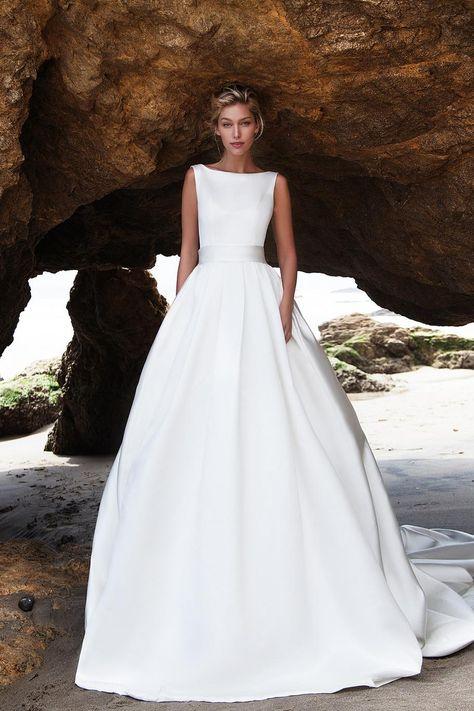 be77c28a92e Свадебное платье «Бруно» Ариамо Брайдал — купить в Москве платье Бруно из  коллекции 2016 года