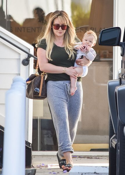 Hilary Duff Photos Photos Hilary Duff And Her Baby Daughter Step Out In L A Hilary Duff Style Hilary Duff The Duff