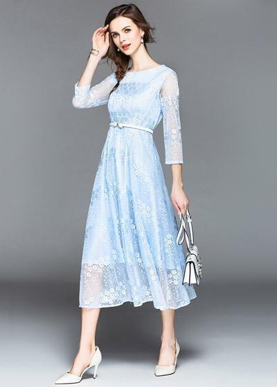 468fa7d4fd9a Compre Vestido Renda Midi Evasê Manga Longa Casamento Azul claro |  UFashionShop