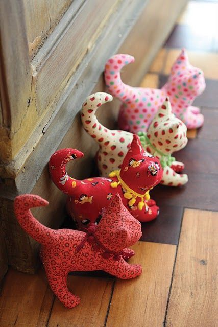Kitties made from fat quarters or fabric scraps