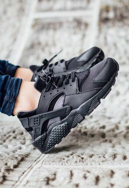 nike air huarache black and gold