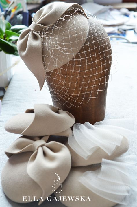 Beautiful neutral bow-and-veiling hats, perfect for a wedding!