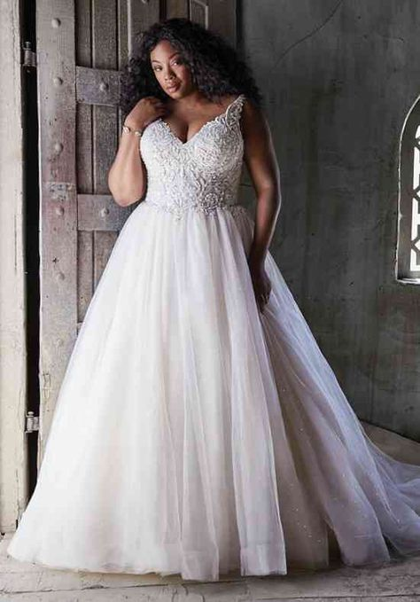 Wedding Dress Pictures, Wedding Dress Trends, Boho Wedding Dress, Dream Wedding Dresses, Ball Gown Wedding Dresses, Full Figure Wedding Dress, Lace Wedding, Wedding Ideas, Maggie Sottero Wedding Dresses