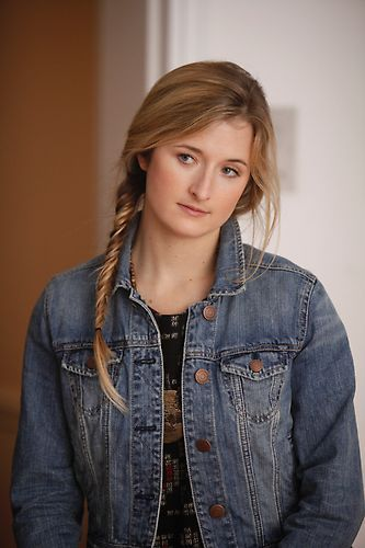 Grace Gummer as Elinor