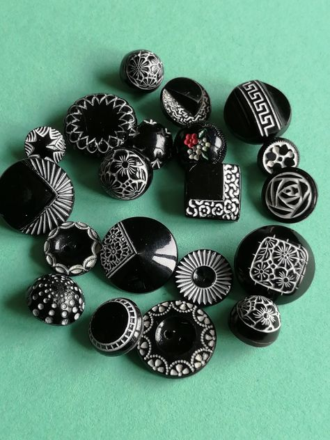 12 ASSORTED RULER BUTTONS THEMED CARD SEWING RULERS