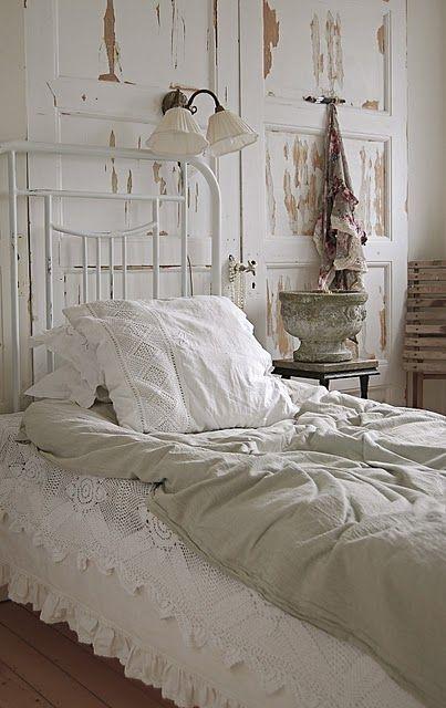OK that settles it. I NEED some white crochet bed stuff.
