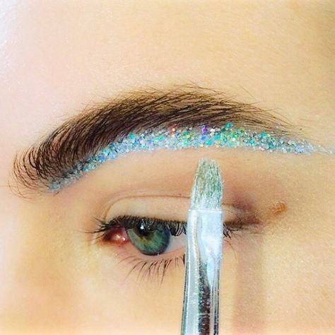 Futuristic disco brow line  Maccosmetics