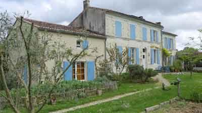 Vente Propriete Gite Dependances Pres St Jean Angely Charente Maritime Gite Charente Maritime Gite Charente Maritime