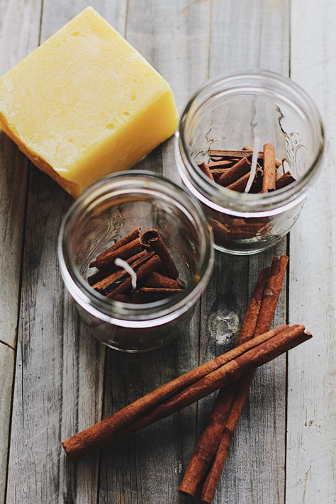 diy candles Cinnamon + Honey Beeswax Candles Under A Tin Roof Candle Craft, Candle Wax, Pine Scented Candle, Homemade Candles, Homemade Gifts, Making Beeswax Candles, Buy Candles, Luxury Candles, Velas Diy