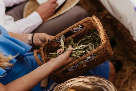 Continue the organic and sustainable theme of your wedding exist by choosing natural alternatives to confetti. Consider having guests toss handfuls of olive leaves, dried lavender, rose petals, calendulas at the end of your ceremony or reception. #rusticwedding #ecofriendlywedding #ecofriendlybride #weddingconfetti #organicwedding #bohobride