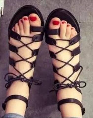 Flat Sandals For Girls Buy Women S Flat Sandals Online In India Street Style Stalk In 2020 Sandal Online Womens Sandals Flat Womens Flats