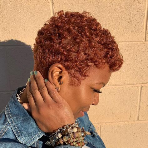 Today we have the most stylish 86 Cute Short Pixie Haircuts. We claim that you have never seen such elegant and eye-catching short hairstyles before. Pixie haircut, of course, offers a lot of options for the hair of the ladies'… Continue Reading → Natural Hair Short Cuts, Short Natural Haircuts, Dyed Natural Hair, Short Curly Hair, Short Hair Cuts, Curly Hair Styles, Natural Hair Styles, Short Pixie, Tapered Natural Hairstyles