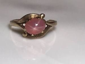 Pink Star Sapphire 10k Gold Ring The Stamp On The Inside Is Pretty Worn Down Weighs 2 6 Grams The Ring Needs 10k Gold Ring Star Sapphire Ring Star Sapphire