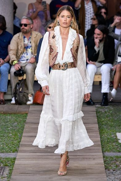 Guarda la sfilata di moda Etro a Milano e scopri la