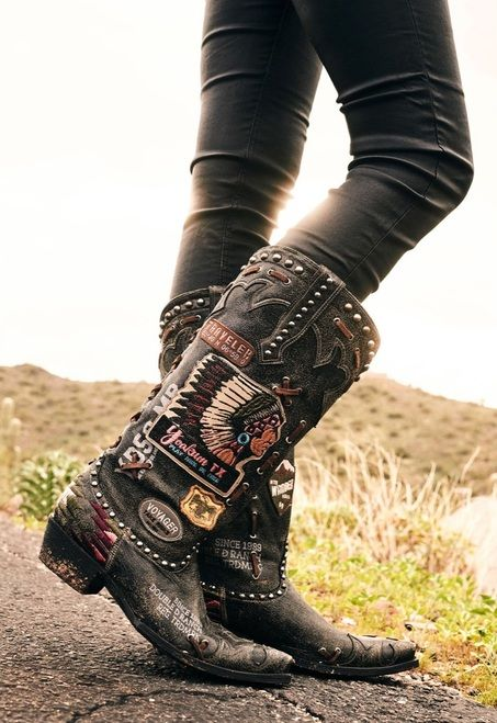 Boot Junky is named such, because we live for women's western boots! We have women's cowgirl boots, have Old Gringo boots for sale, and more! Boot Over The Knee, Over Boots, Gypsy Cowgirl, Cowgirl Chic, Cowgirl Baby, Cowboy Boots Women, Cowgirl Boots, Womens Black Western Boots, Riding Boots
