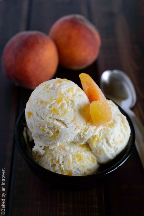 No churn peaches and cream ice cream made with only 5 ingredients. You'll crave it all summer long! | bakedbyanintrovert.com