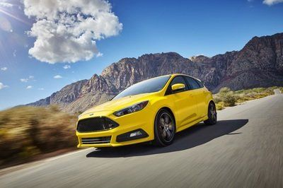 Ford Actually Believes That The Focus St Is Better Than The Volkswagen Golf Gti Top Speed In 2020 Ford Focus Ford Focus St Good Looking Cars