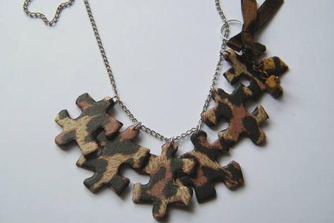 Tuto pour fabriquer un collier en pièces de puzzle : http://www.madmoizelle.com/tuto-bijou-des-bijoux-en-puzzle-recycle-et-leopard-7592#sthash.0i94QgPy.dpbs