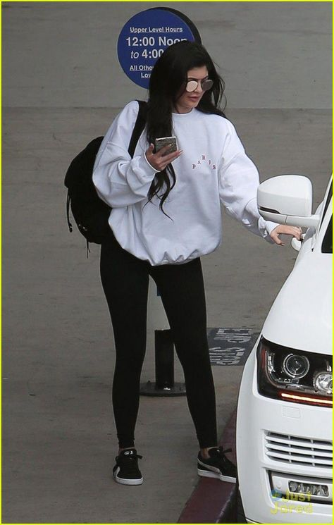 kylie jenner tyga kiss airport 45 #kyliejenneroutfits