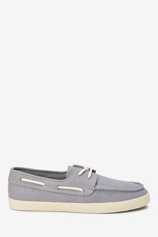 These smart-casual boat shoes are