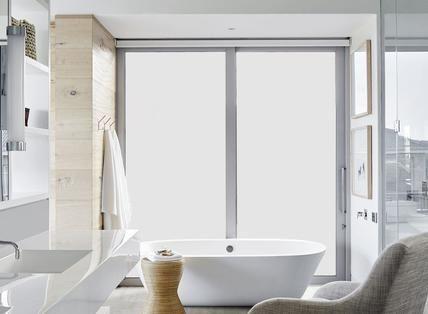 Mineral: piastrelle per il bagno: idee e soluzioni in ceramica e