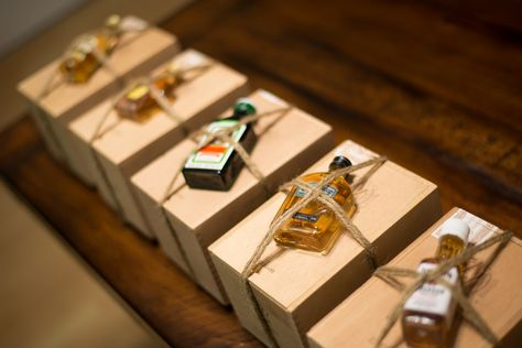 Loveee this idea for groomsmen gifts