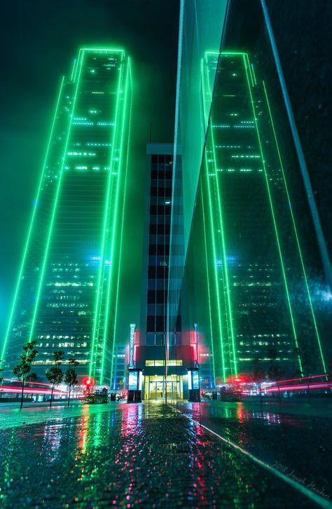 50 ideas science and technology background pictures Cyberpunk City, Ville Cyberpunk, Cyberpunk Aesthetic, Futuristic City, City Aesthetic, Futuristic Technology, Neon City, Dark Green Aesthetic, Rauch Fotografie