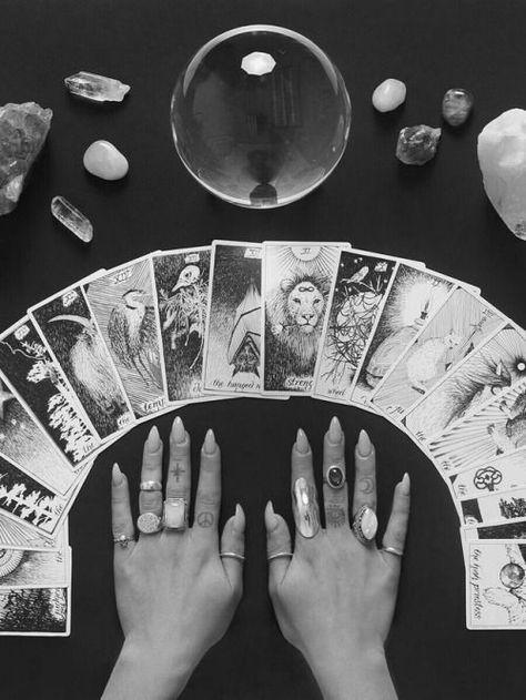 tirage tarot divinatoire cartomancie
