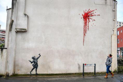Perfect Trend Banksy Flower Graffiti Artist Boy Throwing Flowers Statue Stock