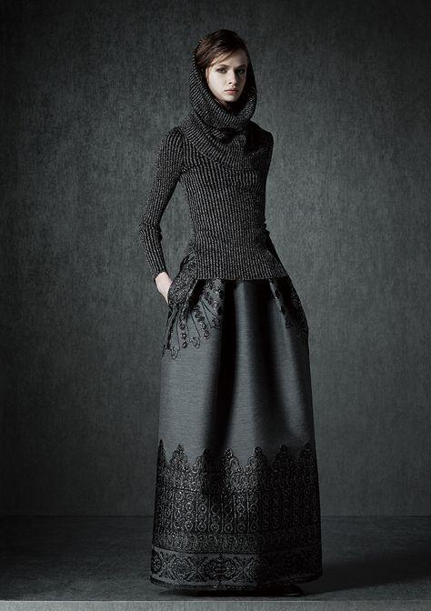 Alberta Ferretti Pre-Fall 2015 Fashion Show Collection: See the complete Alberta Ferretti Pre-Fall 2015 collection. Look 2