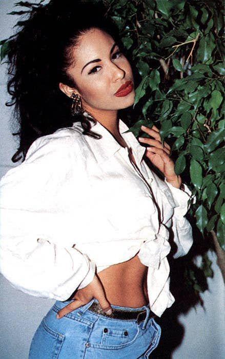 Community Post: 20 Of Selena Quintanilla& Iconic Outfits selenaquintanillaperez Selena Quintanilla Perez, Selena Gomez, Kendall Jenner, Kylie Jenner Makeup Look, Mesh Tops, Lady Gaga, Cristina Saralegui, Rihanna, Outfits