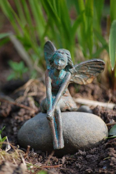 Beautiful garden ironfairy - I want one of these for Rosie