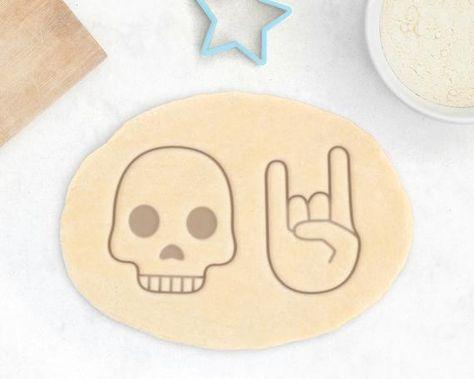 Skull Cookie Cutter – Skull Emoji Cookie Cutter Halloween Cookie Cutter Heavy Metal Gift Punk Rock C