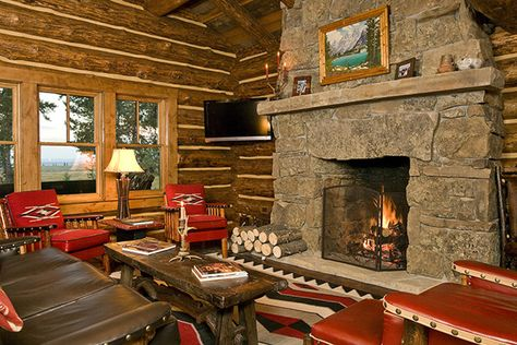 Cozy log cabin with Molesworth furniture