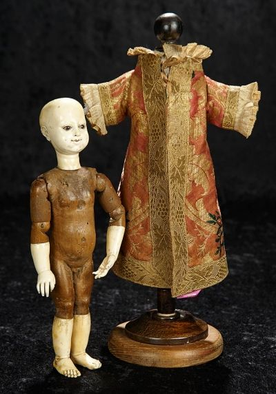 Landmark The Margaret Lumia Collection January 12 2019 35 Rare 18th Century Carved Wooden And Bone Doll With Articulated A Wooden Dolls Dolls Bone Carving